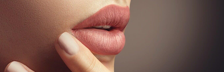 wypelnianie ust kwasem - efekty